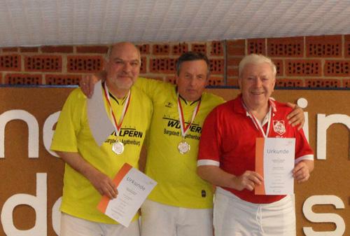 Rainhard Macke (rechts) bei der Siegerehrung