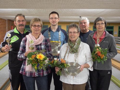 Die Majestäten und Seniorenbeste des LKV-Königskegelns aus dem Vorjahr