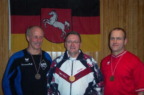 Senioren-A-Einzel v. l. Hans-Peter Buschbeck (Cuxhaven), Joachim Müller (Lüneburg), Hermann Effinghausen (Eschede)
