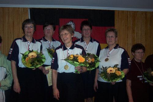 Damen-A-Vereinsmannschaft v. l. Marie-Luise Stiefeling, Hannelore Gieseking, Inge-Lore Bednarz, Susanne Leitis, Gundela Gehrke