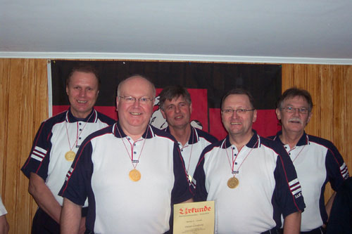 Senioren-A-Vereinsmannschaft v. l. Herbert Zotzmann, Wilhelm Kiehn, Ernst Bohlmann, Joachim Müller, Rolf-Peter Thiel