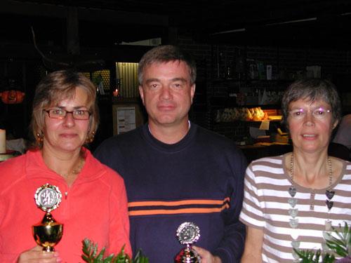 Die Majestäten 2008 des Lüneburger Kegler Vereins v. l. Heike Lühr-Böke, Matthias Böke, Marie-Luise Stiefeling